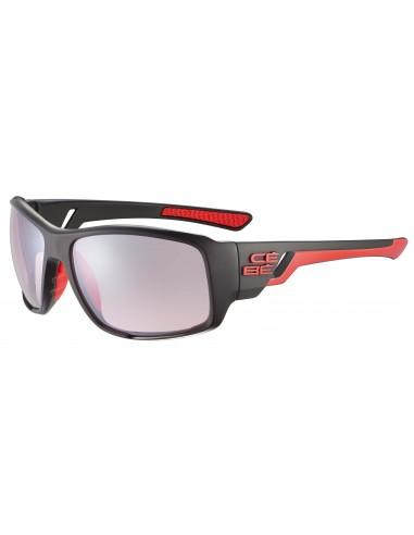 Vista desde la diagonal izquierda de las gafas deportivas Cebé: Northshore Matt Black Shiny Red.
