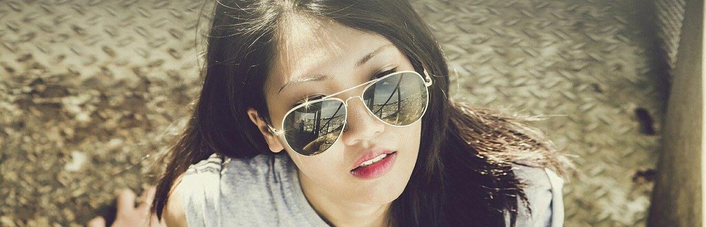 Gafas de sol con barra superiora